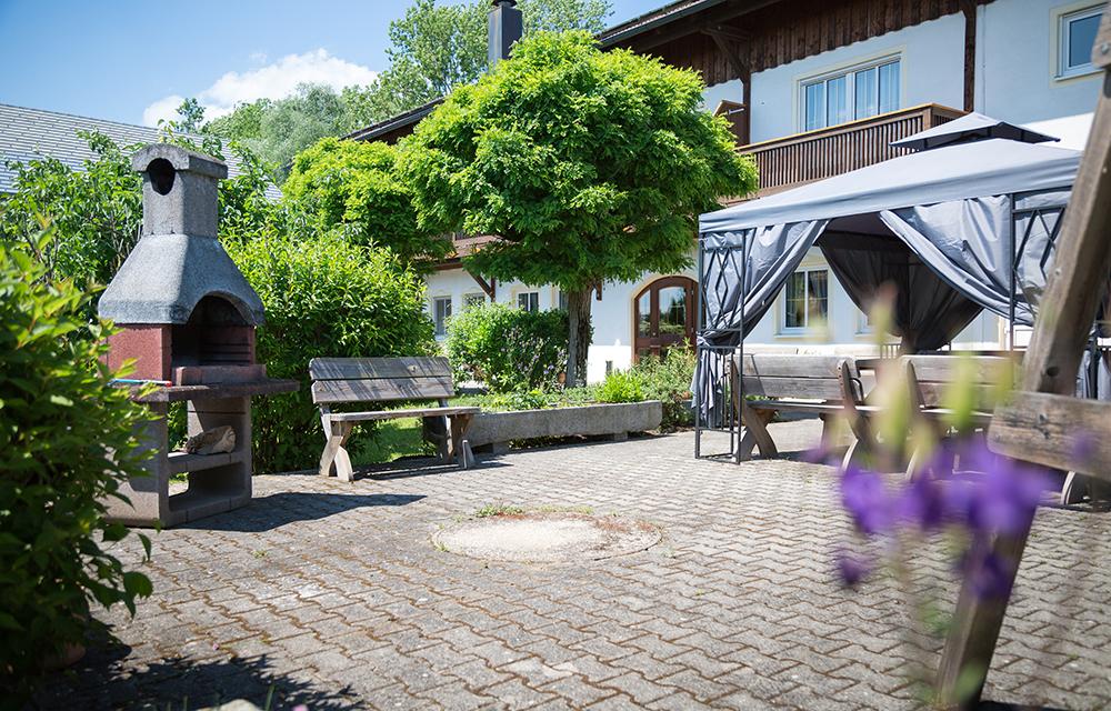 Aussenbereich, Grillplatz, Pavillon Ga Albrecht