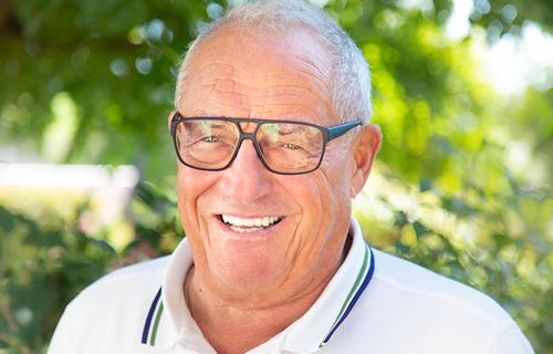 Dr. Helmut Schmidbauer